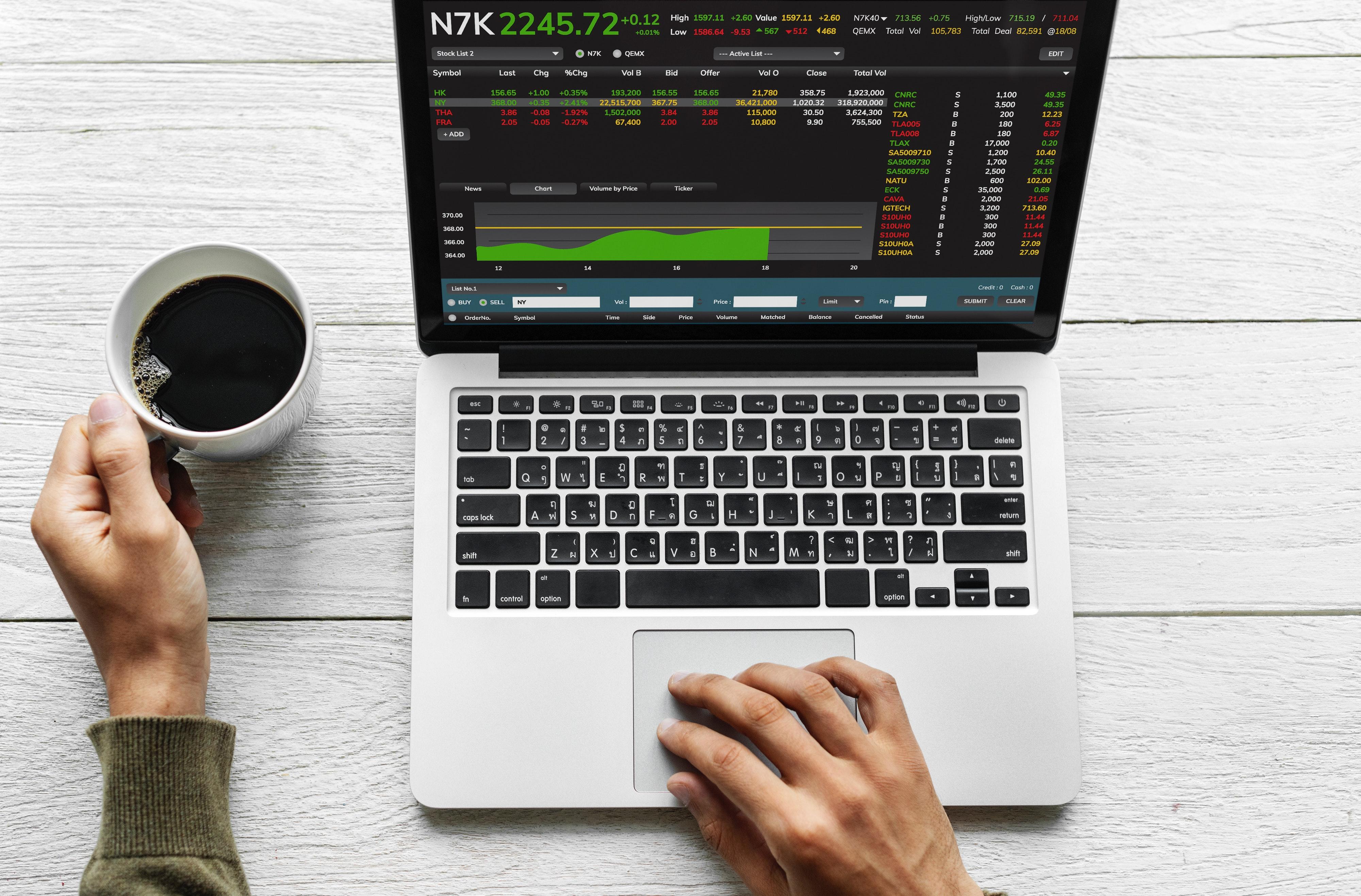 ¿Puede un algoritmo sustituir a tu planificador financiero?